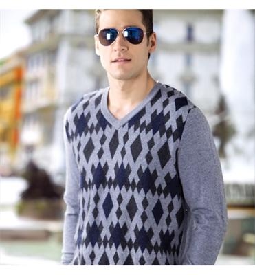 亚虎娱乐_亚虎娱乐手机网页版_亚博娱乐_亚虎娱乐冬季男士亚虎娱乐衫图片V领针织衫款式
